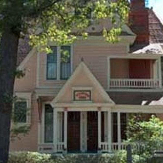 1884 Wildwood Bed & Breakfast